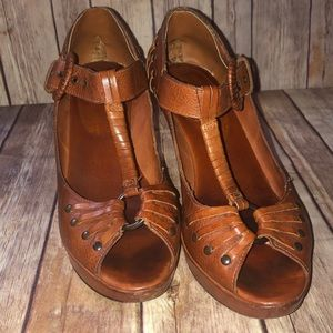 Flash Sale 💥Frye Leather Platform Sandals